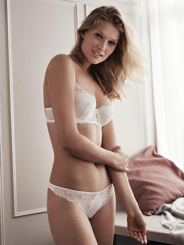 petite-white-girls-naked
