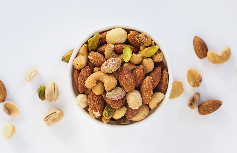 Какие продукты со стола не следует давать питомцам