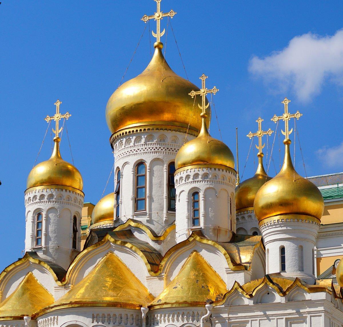 Почему на Руси купола церквей делали в форме луковиц